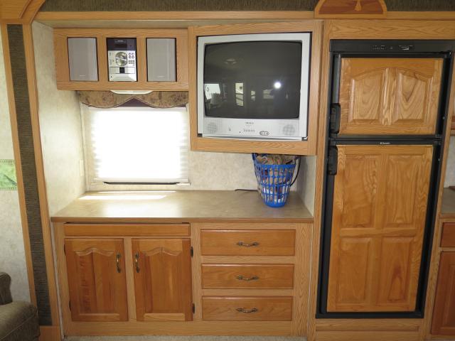 2005 Keystone Mountaineer 329RLS FW Stk #2447