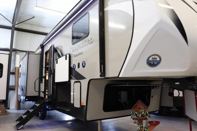 2019 Forest River Coachman Chaparral 27RKS FW Stk #2613